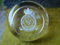 MP ROYAL AIR FORCE PAPER WEIGHT 7 CM  WILDENRATH  MMER BERETT RAF MILITARY WAR