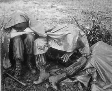"Marine Leathernecks take a break in the rain 8""x 10"" Vietnam War Photo 176"