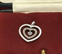 375 White Gold & 2 Diamonds Graduating Love Heart Pendant 9ct 9k (D6G1)
