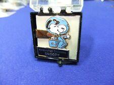 vtg badge snoopy astronaut spaceman tie scarf clip peanuts schultz aviva 1970s ,