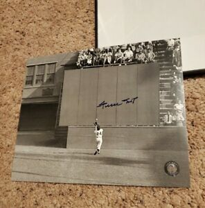 """Willie Mays signed Giants 8x10 photo """"the catch"""" Say Hey Authenticated hologram"""