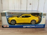 Maisto 2016 Chevy Camaro SS Coupe 1:18 Scale Diecast Model Car Bumblebee Yellow