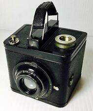 Vintage KODAK BROWNIE SPECIAL SIX-20 Box Camera with 1 Kodak Verichrome Pan Film