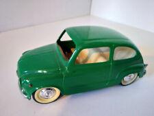 Paya FIAT SEAT 600 verte plastique et tole 1/20