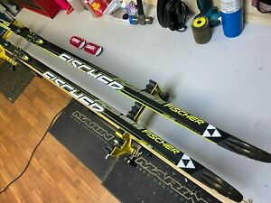 Fischer RCS CarbonLite Classic Cold Cross Country Skis with Bindings 207cm