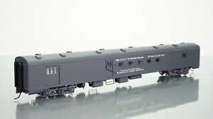 Walthers AC&F Baggage Mail Southern Pacific HO scale