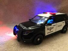 1/24 SCALE DIECAST Fort Worth TEXAS POLICE FORD SUV W/WORKING LIGHTS AND SIREN