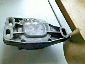 VW AUDI,PASSAT B5 ,FRONT ENGINE BRACKET MOUNT-8D0199335Q