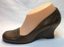 BCBGirls BCBG Gold Leather Pumps Wedge Heels Slip On Shoes Size 7.5 @ cLOSeT