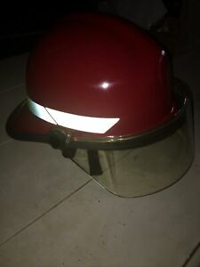 "Bullard Fire fighter Helmet Turnout RED w/ shield/chin strap size FX 6 1/2"" to 8"
