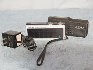 Vintag Sony ICR-200 The world's first compact IC AM Radio 1968 Made in Japan