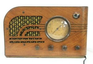"Vintage Silvertone 4563 ""Globe"" Wood Case Table Top Radio w/Tuning Eye Tube"