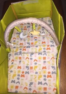 GUC Infantino Travel Baby Infant Fold & Go Bed W/Arch Toys Foldable Light Weight