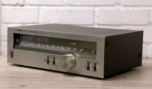 TEAC TX-300 vintage Radio analogue tuner Lovely example 1979 Japan 99p NR