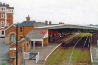 PHOTO  GRIMSBY TOWN RAILWAY STATION LINCOLNSHIRE 1997 VIEW EASTWARD TOWARDS GRIM