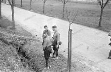 Negativ-Darmstadt-Soldaten-seltene Uniform-Pinkel-Pause-toilet stop-pee-1930s