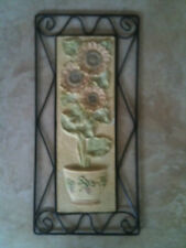 PRETTY SUNFLOWER MOTIF MOULDED RESIN & COATED WIRE WALL SCULPTURE HOME GARDEN