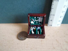 DHE 12TH SCALE -DOCTORS WOODEN CASE & EQUIPMENT