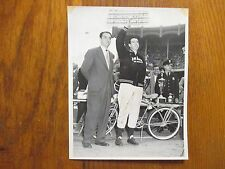 "JOE  DiMAGGIO (Died in 1999) Yankee Legend  Signed  7"" x 9""  1949   Photo"