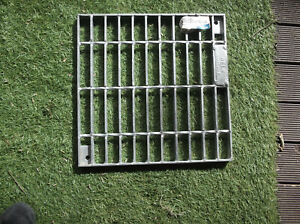 water drain crate 345x345x20mm steel EVERHARD CLASS A