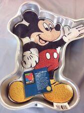 MICKEY MOUSE Cake Pan WILTON stock #2105-3601 w/ insert 1995 Full Body Waving