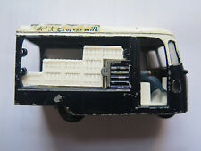 SPOT ON TRIANG DIE CAST 3 WHEEL MILK FLOAT 1/42 SCALE MADE UNITED KINGDOM c1960s