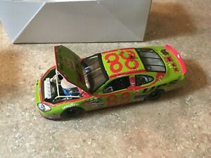 DALE JARRETT  ACTION #88 UPS /TOYS FOR TOTS 2005 TAURUS CLUB CAR LE 1 OF 360