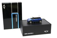 1:43 AUTOart Mini Cooper S R56 blue DEALER NEW bei PREMIUM-MODELCARS