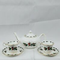 20th Anniversary A Cup Of Christmas Petite Tea Pot W/ 2 Cups & Saucers Set CT157