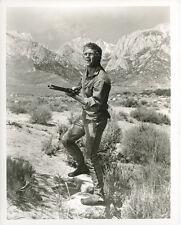 STEVE McQUEEN Origianl Vintage portrait with rifle in desert NEVADA SMITH
