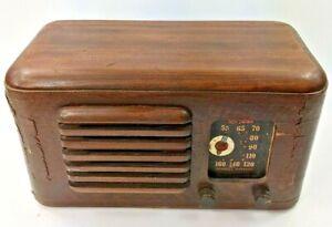 Vintage 1939 RCA Victor Model 46X3 Tube Radio - Veneer & Solid Wood Case