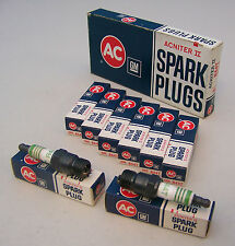 Box (8) NOS AC R44T ACNITER II Spark Plugs 4 Green Rings 5613355