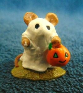 Retired 1981 Wee Forest Folk  Little Ghost  Halloween Mouse M-62 Mint with Box