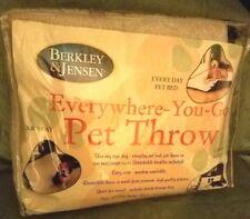 Comfort Pet Reversible Blanket Warm Fleece Quilt Beige/Hunter Green New Dog Cat