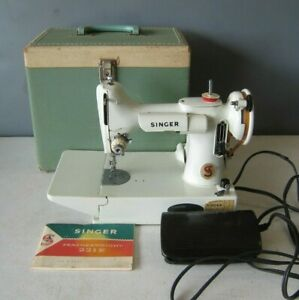 1968 Featherweight Singer Sewing Machine 221K WHITE in case #MS31 Works