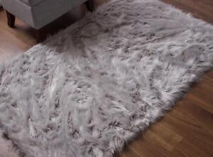 Super Area Rugs Faux Fur Sheepskin Shag Solid Area Rug in Gray