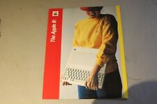 """VINTAGE APPLE IIC COMPUTER 16 PAGE BROCHURE FROM 1976 """"MINT"""""""