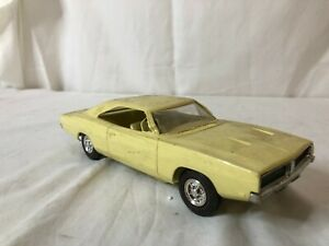 DEALER PROMO 1969 Dodge Charger R/T yellow