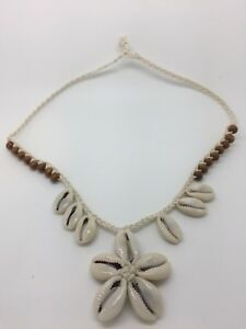 TRENDY Coffee Beans Shell Flower Necklace With Wood Beads Beach Style WHITE