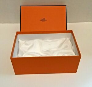 Hermes empty box with pillow