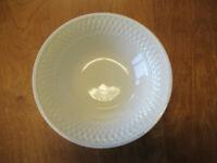 "Oneida WESTERLY BASKET WHITE Round Vegetable Bowl 9 1/4"" 1 ea"