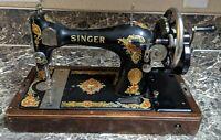Singer 128 Sewing Machine Antique 1925 La Vencadora Handcrank Tested Used