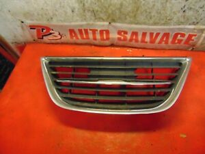 06 05 Saab 9-2x Saab 9-2x oem center front bumper grill grille