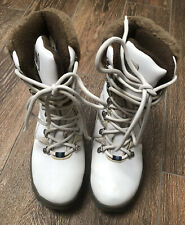 Women's/Girls WOS Snow boots QUEST size 6 white