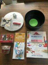 Christmas Baking: Deep round cake tin (John Lewis), M&S cake decorations, Cupcak