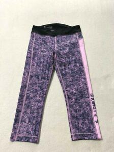 Under Armour M Purple Heatgear Printed Capri Leggings Athletic Medium