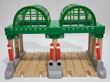 Thomas & Friends Wooden Railway Train Tank Knapford Station Working Lights