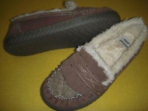 Earth Origins Yukon Yasmine Suede Slippers w/Tassels Women's Small (5-6) Taupe -