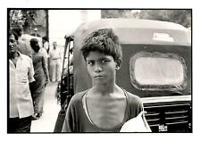 BENJAMIN MENASCE PHOTO ENFANT DELHI INDE 1999 TIRAGE ARGENTIQUE PRO SIGNE TBE
