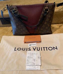 Louis Vuitton V Tote MM, Mng Bordeaux/Noir M43949, Versatile Carry Options, NWT